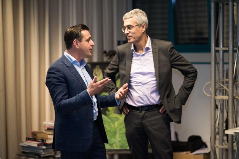 Tabakfabrik-Direktor Chris Müller (li.) im Gespräch mit Stefan Blach, dem Design-Prinzipal des renommierten New Yorker Studio Daniel Libeskind